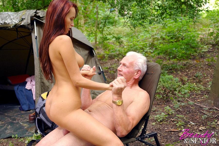Grandpa cock fucks pussy