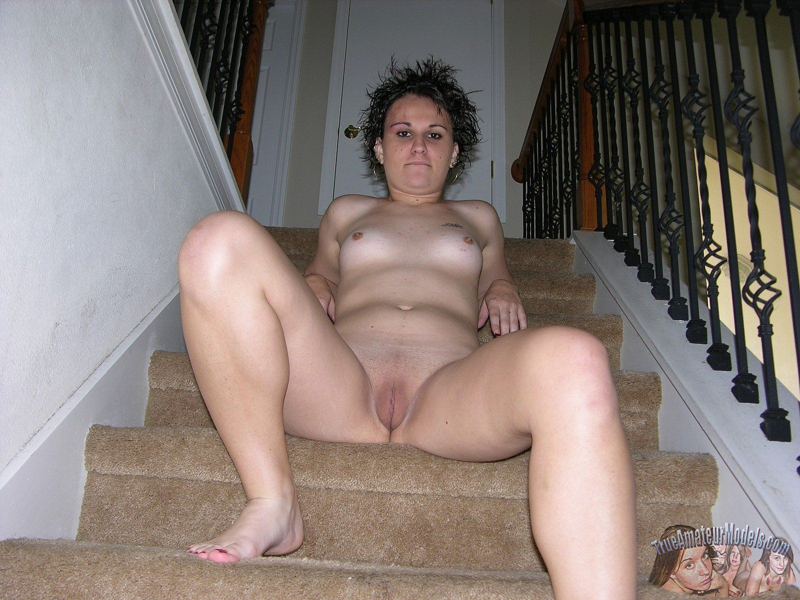 Short hair amateur wife sex