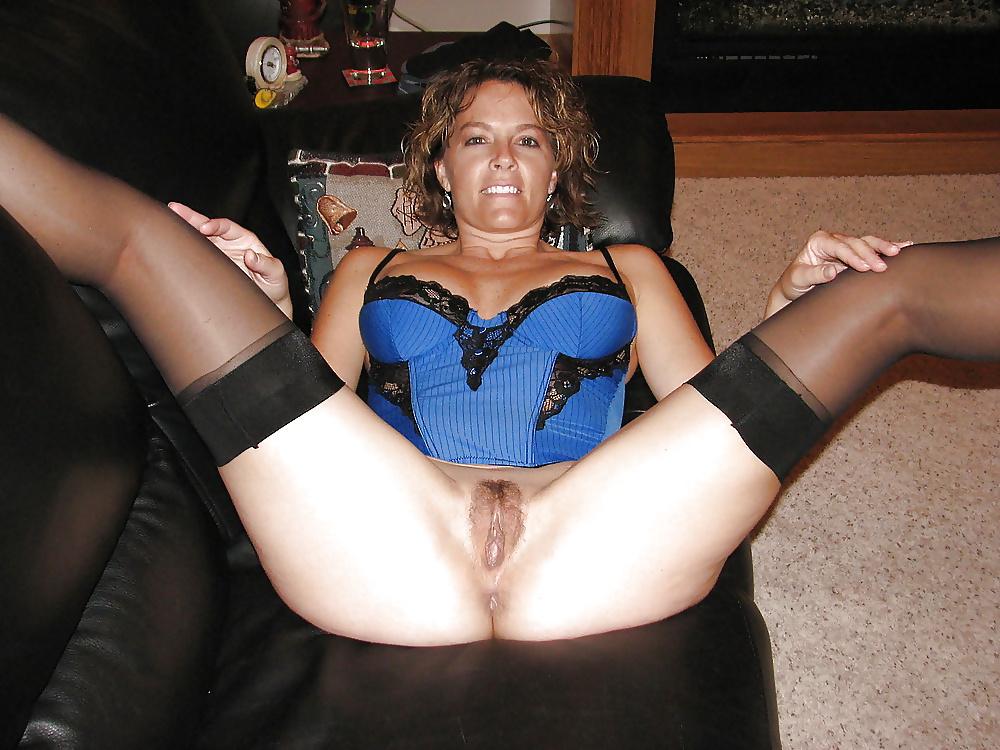 Legs amateur wife galerie spreading