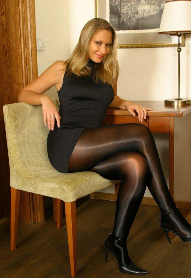 Blonde woman in panthyhose heels