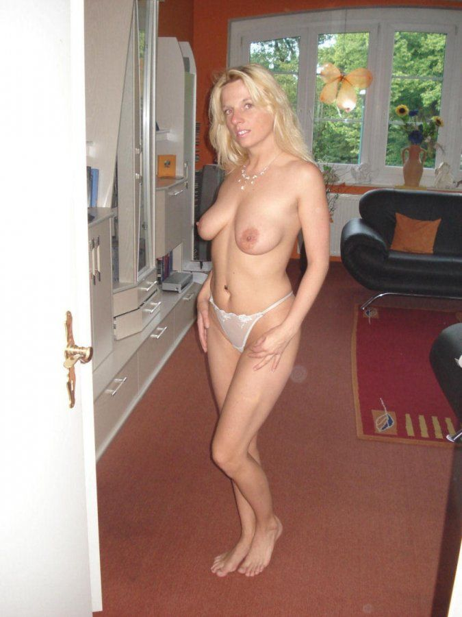Amateur free naked wife