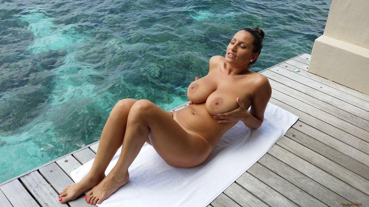 Jane big boobs nude
