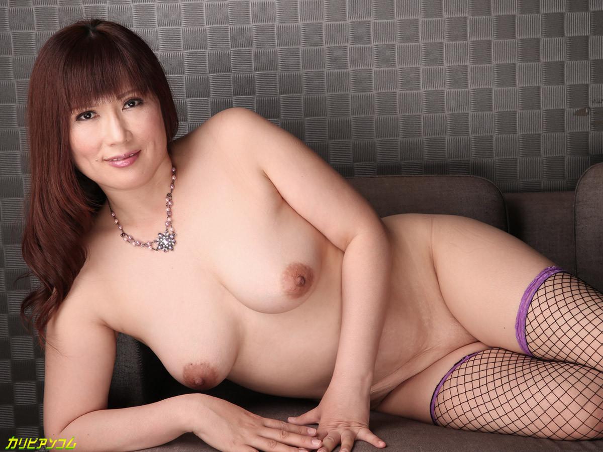 Pics moms curvy japanese naked