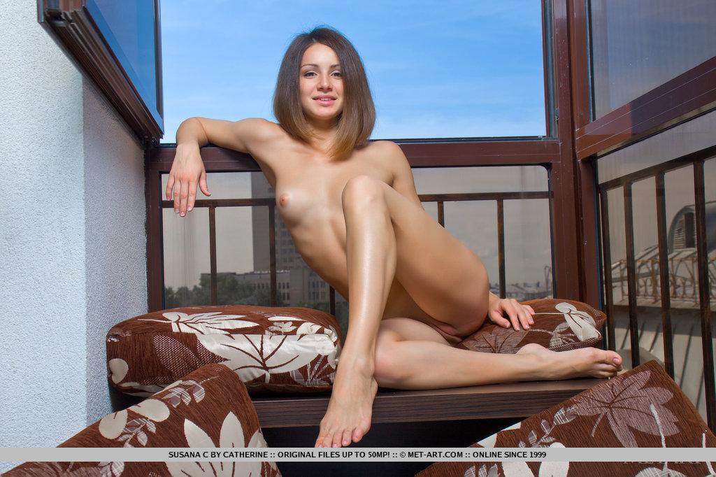 Hot nude russian girls feet
