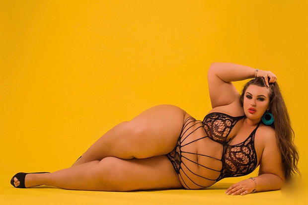Xxx plus size erotic model