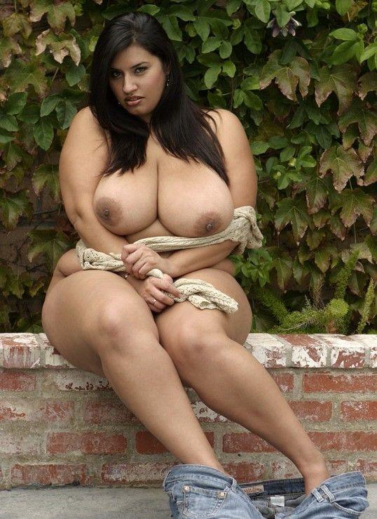 Plus size nude latin women