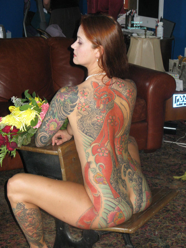 Nude amateur tattoo brunette