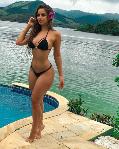 Sexy girls in caldera