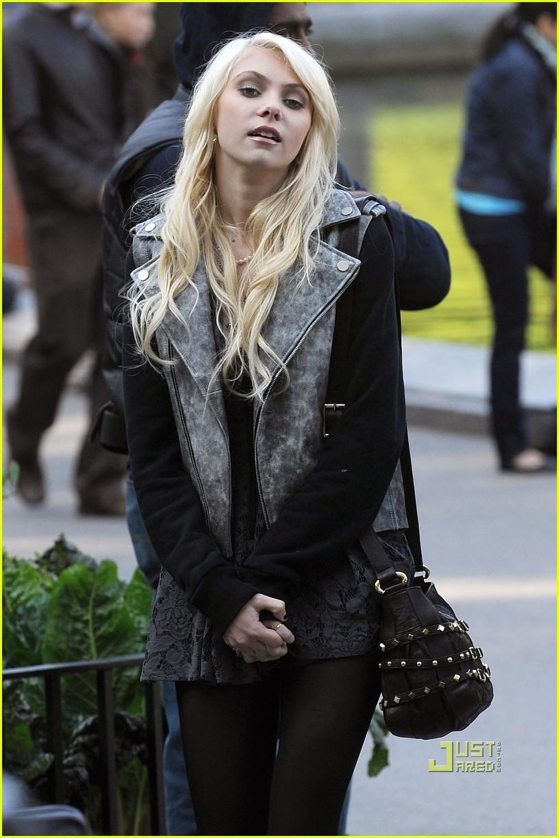Taylor momsen gossip girl