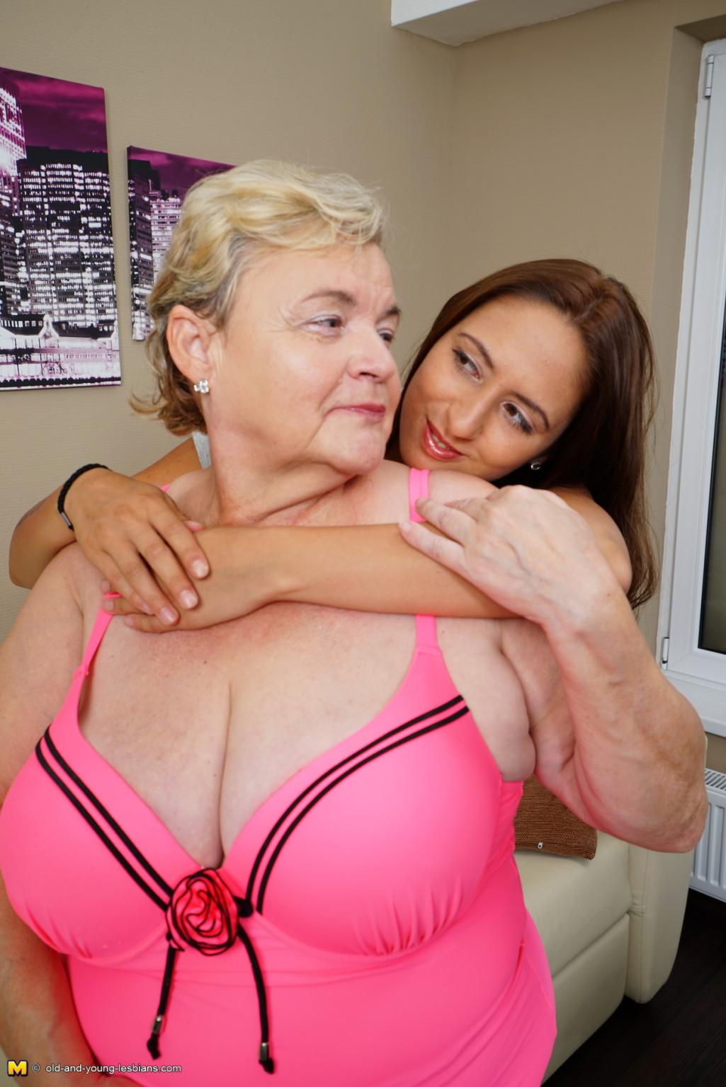 Granny bbw lesbians pictures