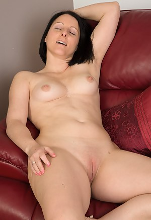 Hot mom shaved pussy