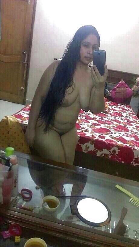 Nangi girl ass desi