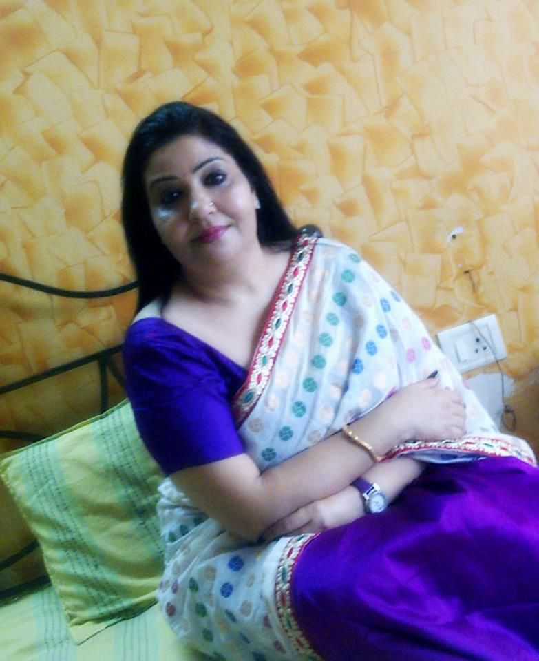 Desi indian aunty gallery
