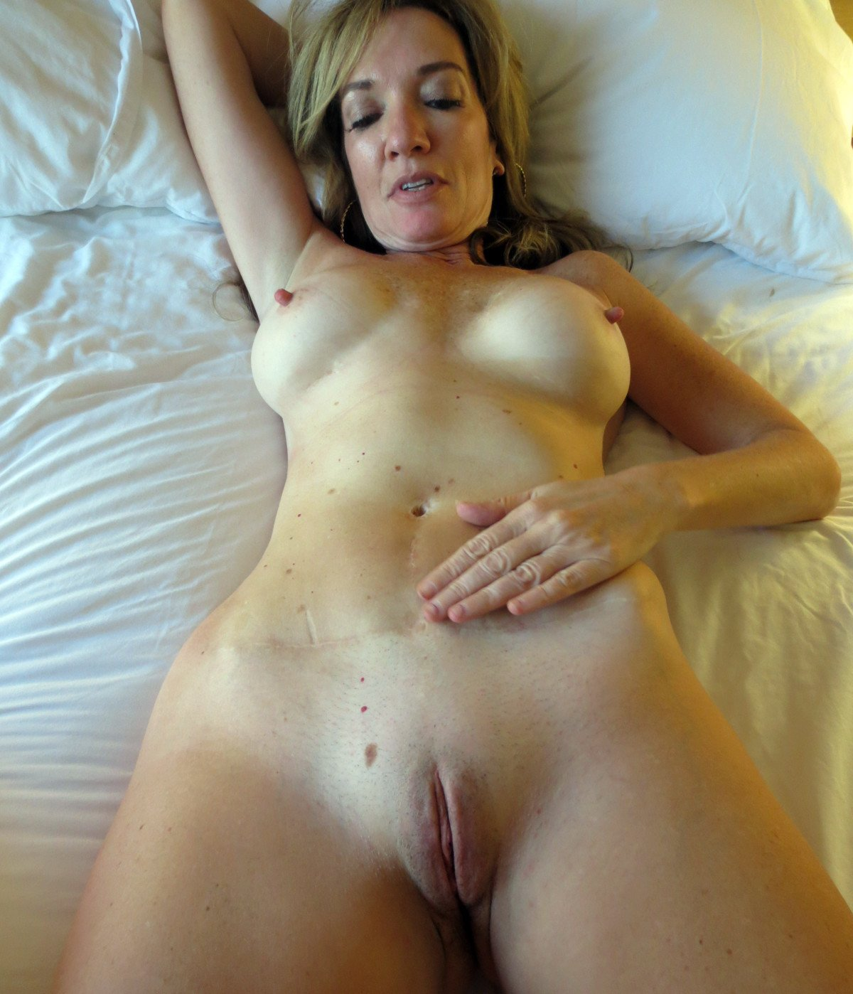 Real amateur wives submitted nudes