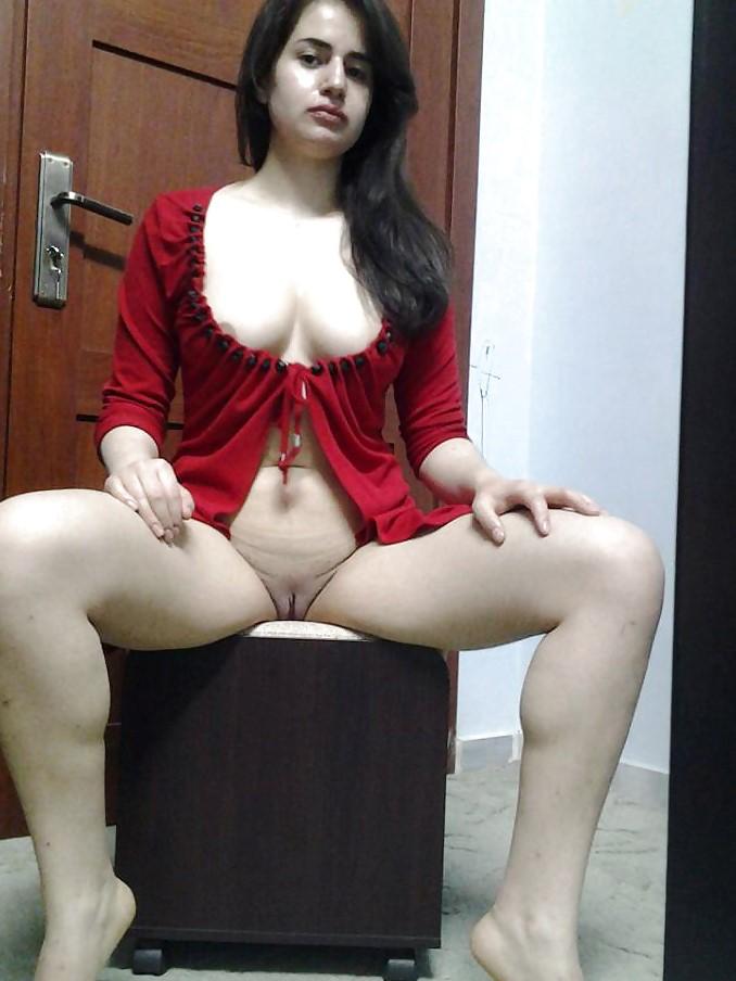 Indian nude slim girl