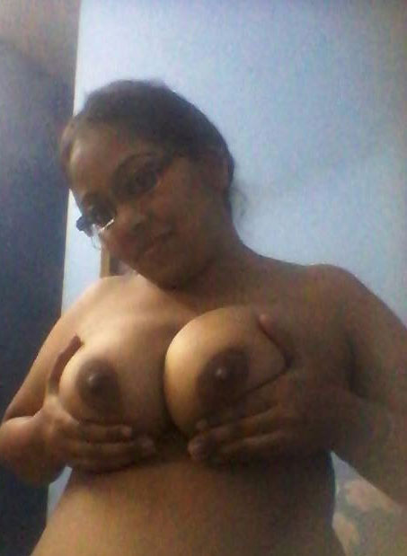 Nude sexy and hot aunty