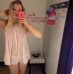 Teen bra dressing room selfies
