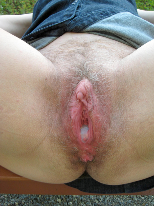 Hairy swollen clit