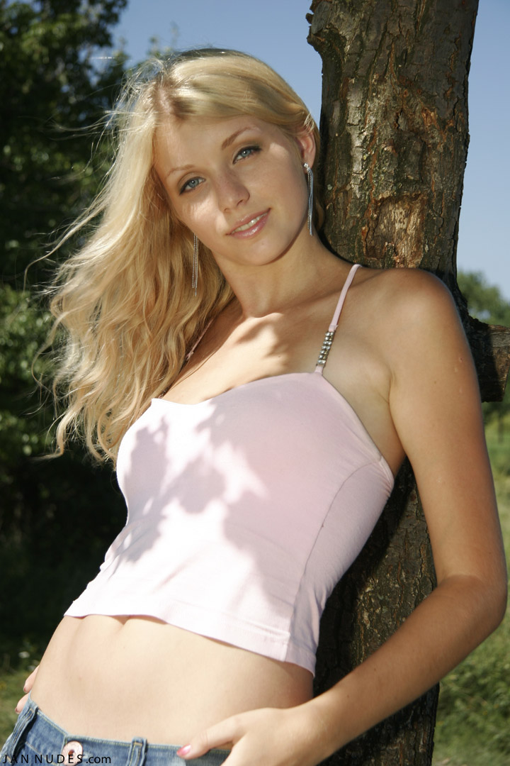 Ru young nudist girls