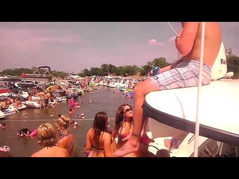 Lake wallenpaupack party cove girls