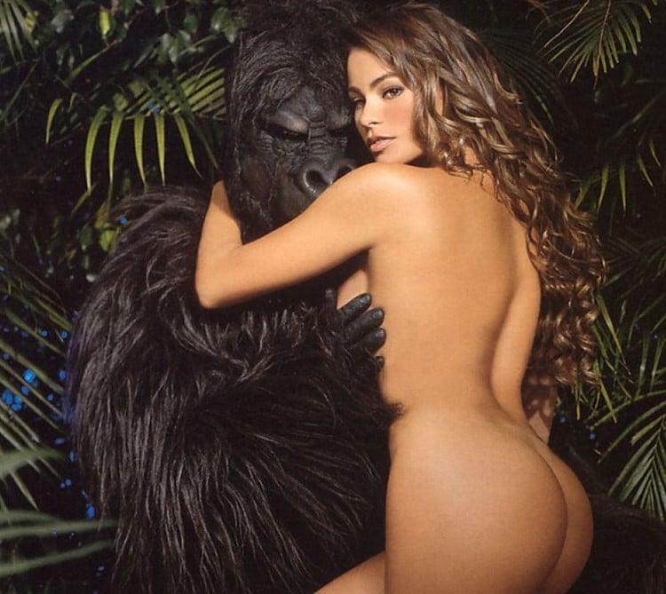 Nude sofia vergara topless