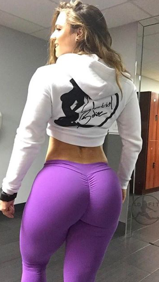 Ass girl white yoga pants