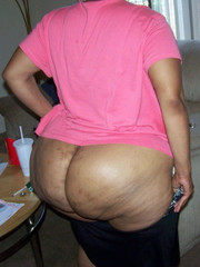 Big booty black mom nude
