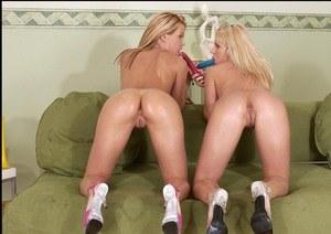 Massage sensual perfect lesbians