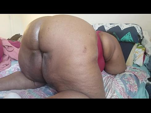 Black ebony big ass milf