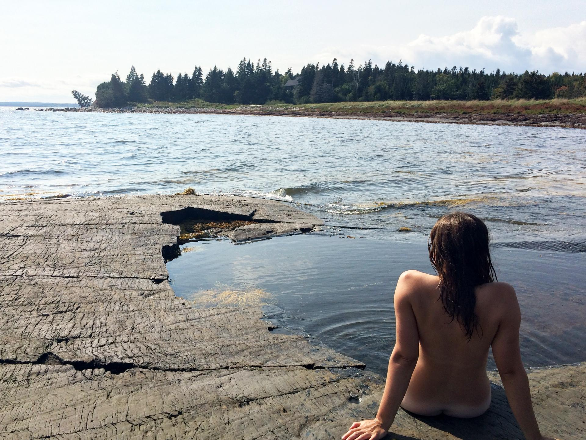 Naked skinny dipping couples