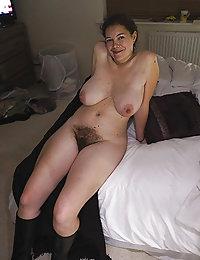 Amateur curvy hairy pussy porn