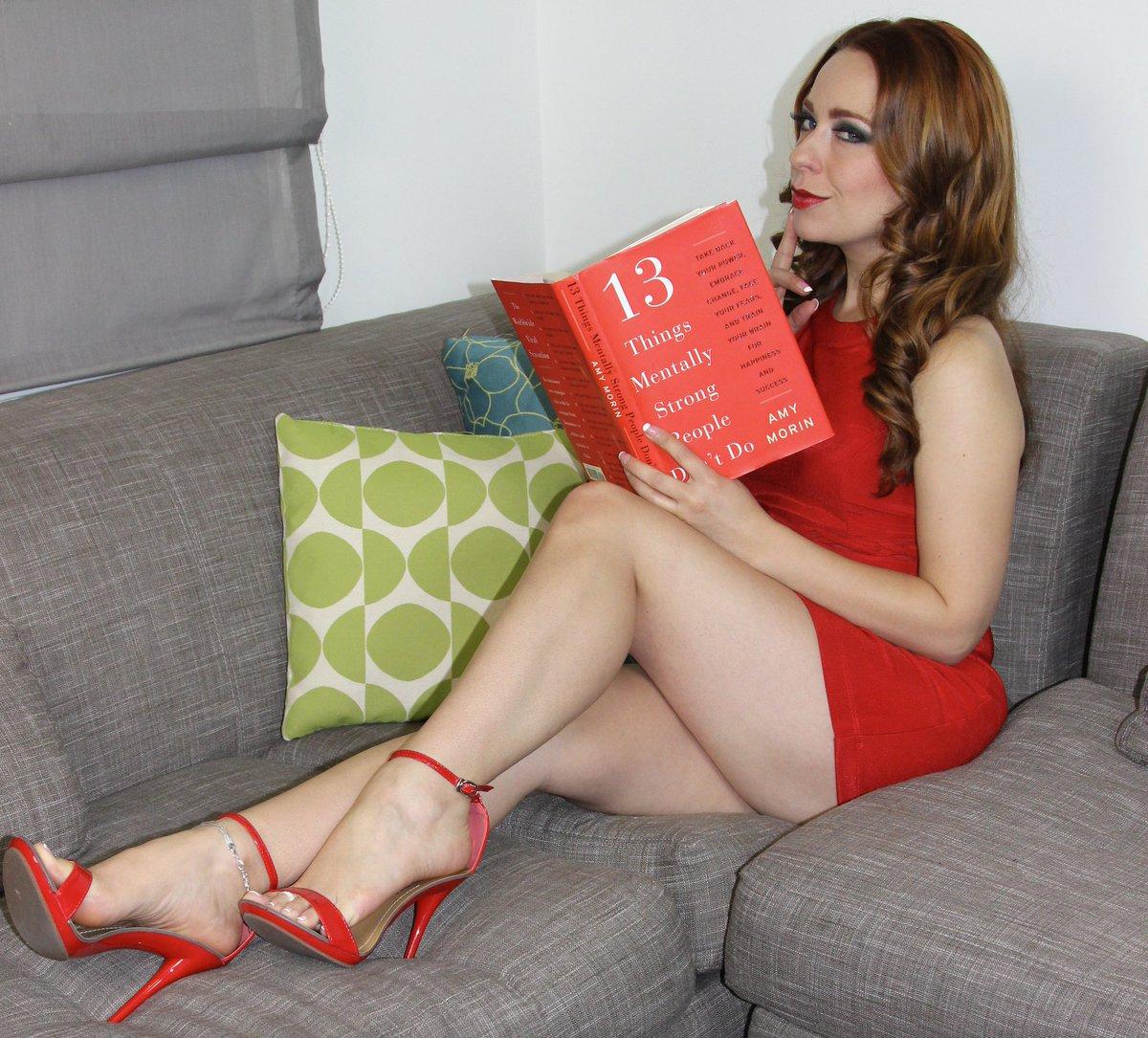 Sexy pale redhead feet