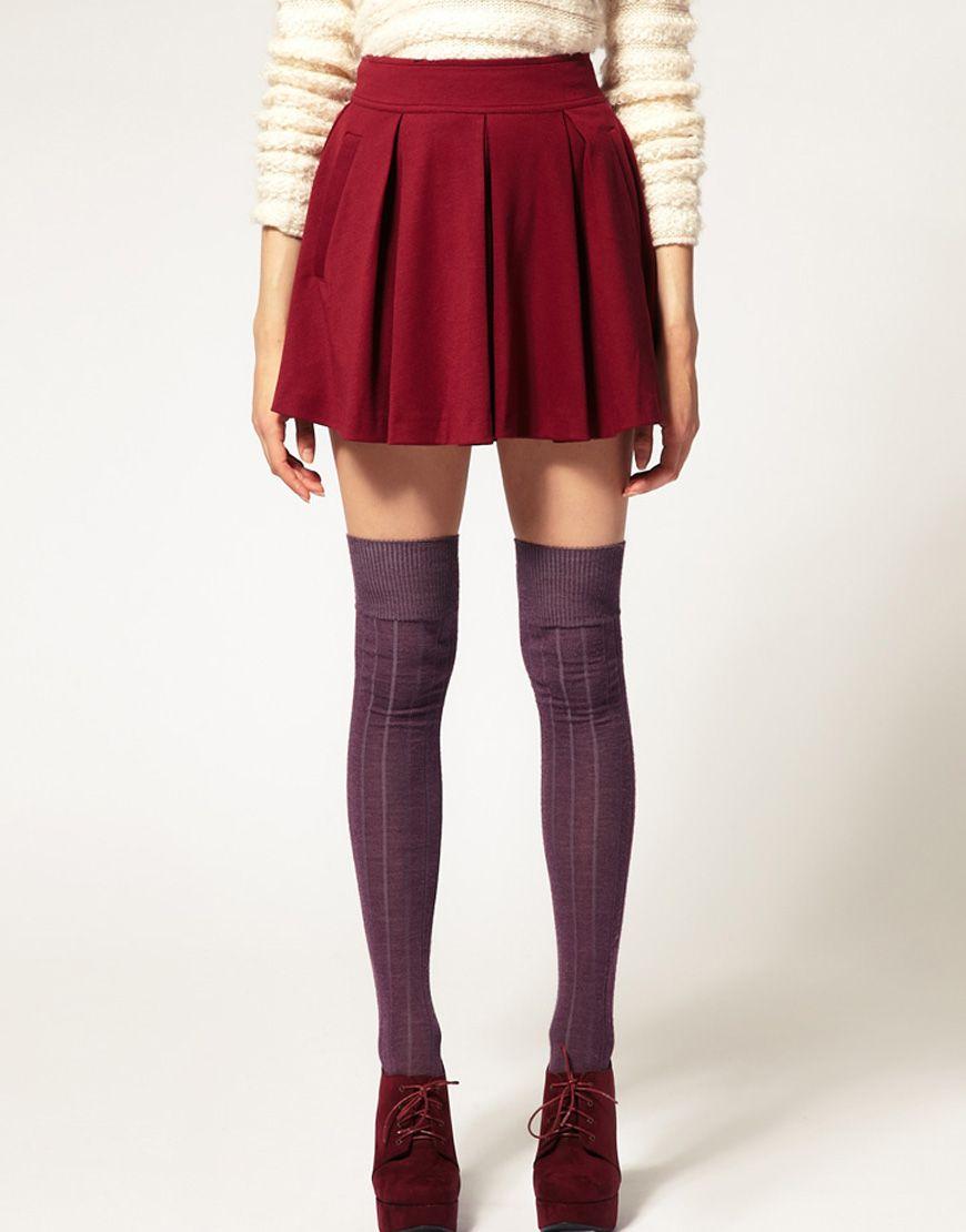 Pleated skirt knee socks