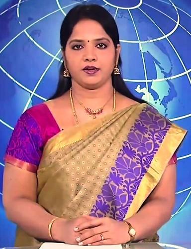 Big aunty saree