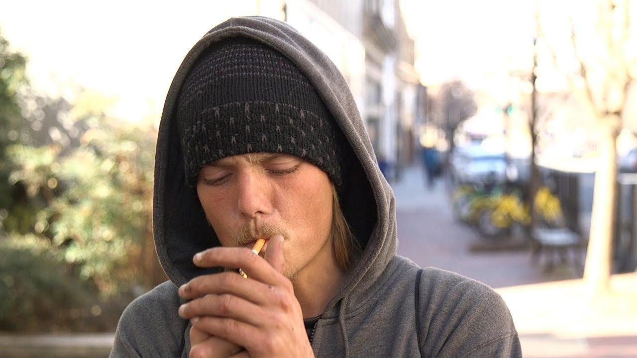 Redneck girls smoking cigarettes