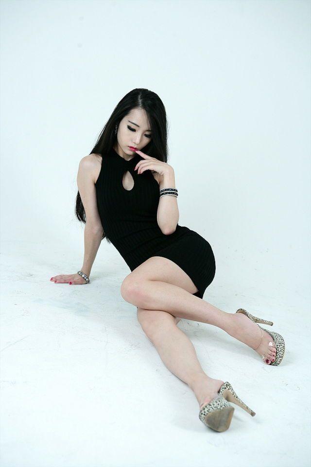 Nude asian women long legs high heels