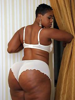 Big ebony pussy black