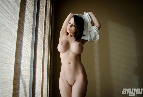 Bryci busty tits hot girl model nude