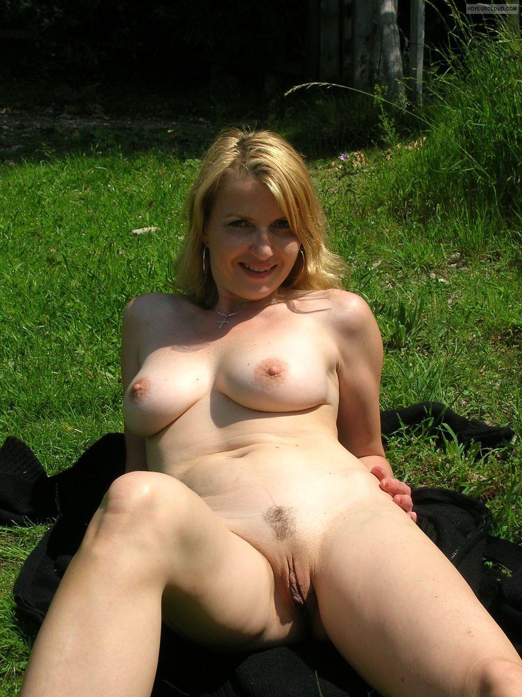 Amateur milf outdoor shower