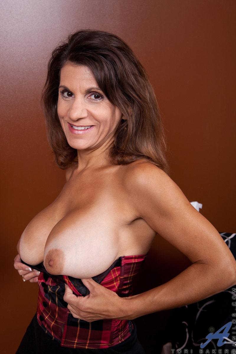 Tori baker mature nude women
