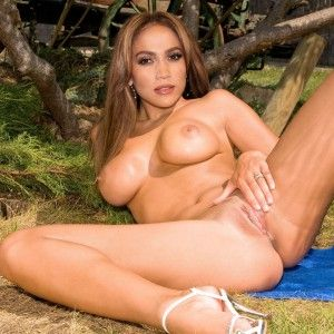 Amature outdoor fuck vid