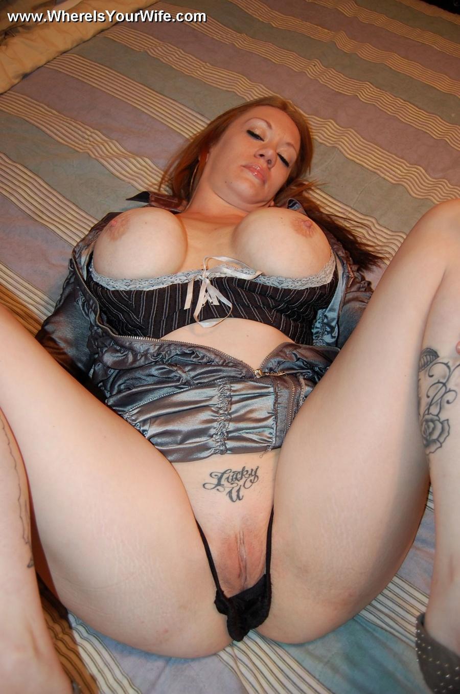 Amateur redhead mom nude