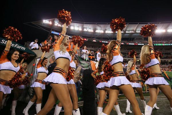 Cheerleading embarrassing moments girls